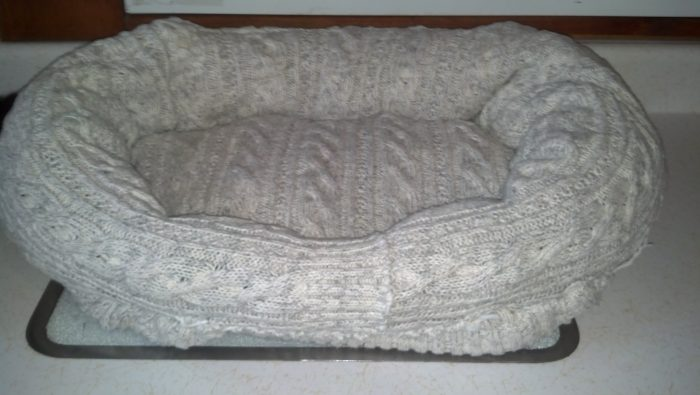 Knitting Ideas to Help Animals Finished Pet Bed