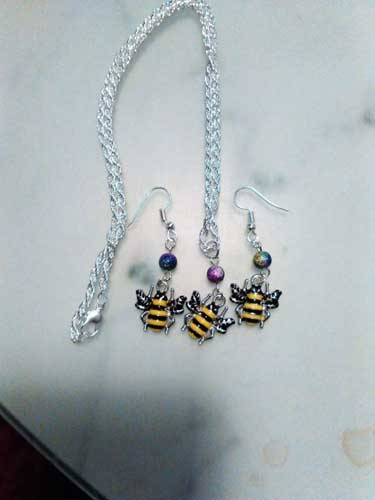 Easy Fundraising Ideas For Charity A Crafter's Necklace and Earrings Set