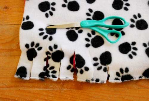 No Sew Dog or Cat Bed Instructions Image 2